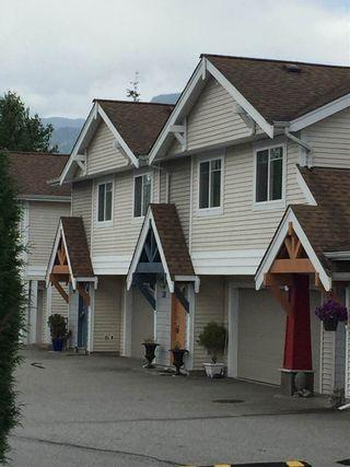 Photo 1: 46 1821 WILLOW CRESCENT in Squamish: Garibaldi Estates Townhouse for sale : MLS®# R2081102