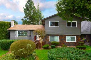 """Photo 2: 11784 91 Avenue in Delta: Annieville House for sale in """"Fernway Park"""" (N. Delta)  : MLS®# R2559508"""