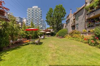 """Photo 2: 323 1500 PENDRELL Street in Vancouver: West End VW Condo for sale in """"Pendrell Mews"""" (Vancouver West)  : MLS®# R2619137"""