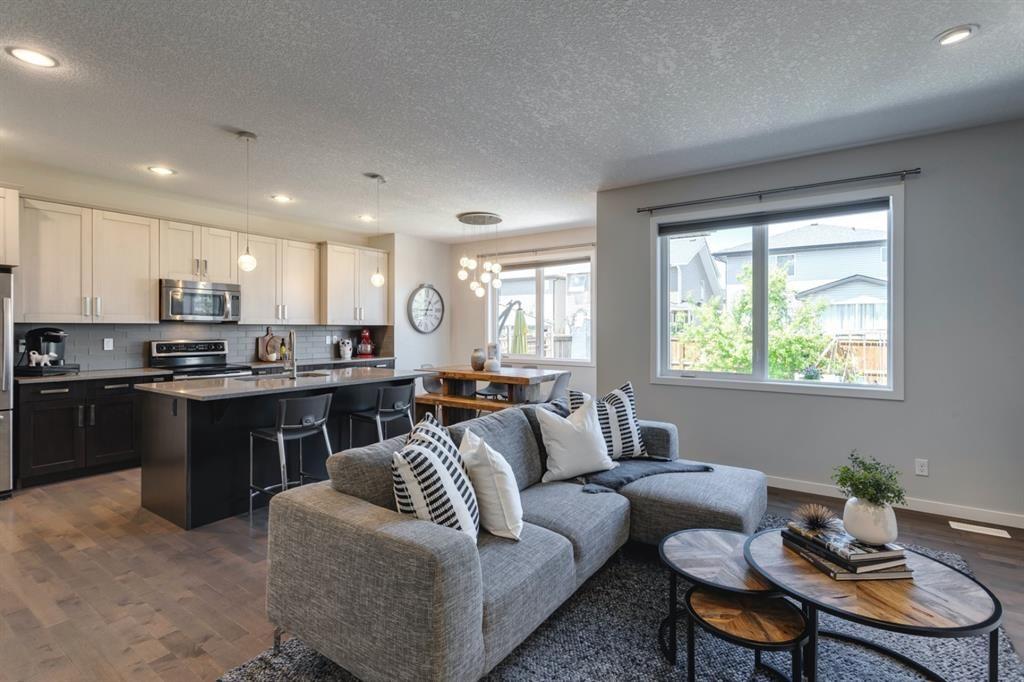 Photo 3: Photos: 445 Auburn Bay Drive SE in Calgary: Auburn Bay Detached for sale : MLS®# A1126030