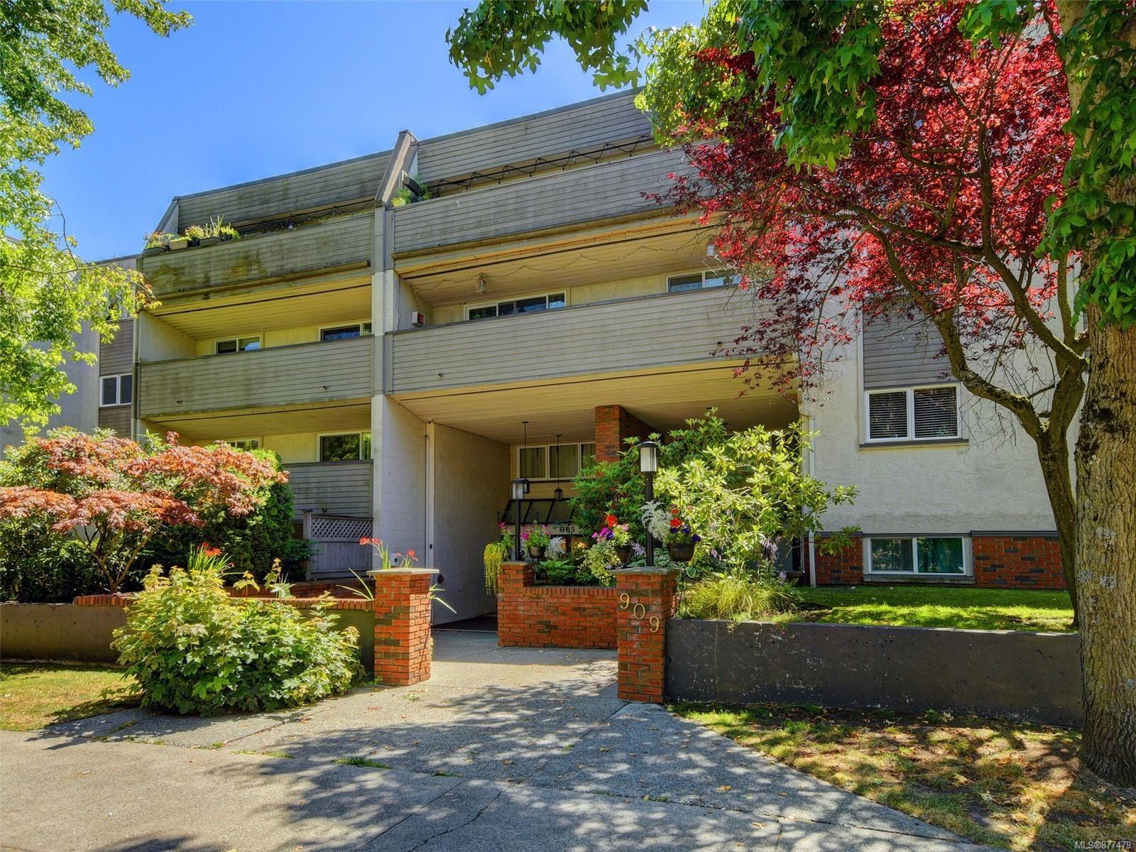 Main Photo: 109 909 Pembroke St in : Vi Central Park Condo for sale (Victoria)  : MLS®# 877479