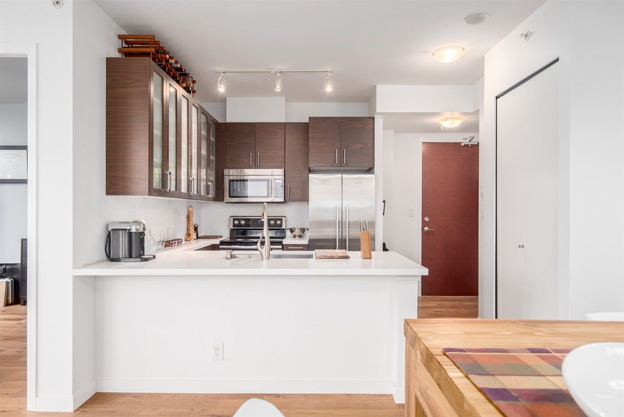 """Main Photo: 1504 2355 MADISON Avenue in Burnaby: Brentwood Park Condo for sale in """"OMA 1"""" (Burnaby North)  : MLS®# R2048312"""