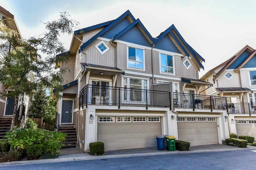 "Main Photo: 22 20120 68 Avenue in Langley: Willoughby Heights Townhouse for sale in ""The Oaks"" : MLS®# R2208326"