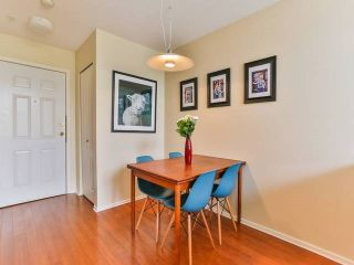 """Photo 7: 402 1723 FRANCES Street in Vancouver: Hastings Condo for sale in """"SHALIMAR GARDENS"""" (Vancouver East)  : MLS®# R2043498"""