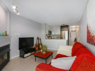 "Photo 8: PH12 868 KINGSWAY Avenue in Vancouver: Fraser VE Condo for sale in ""KINGS VILLA"" (Vancouver East)  : MLS®# R2375408"