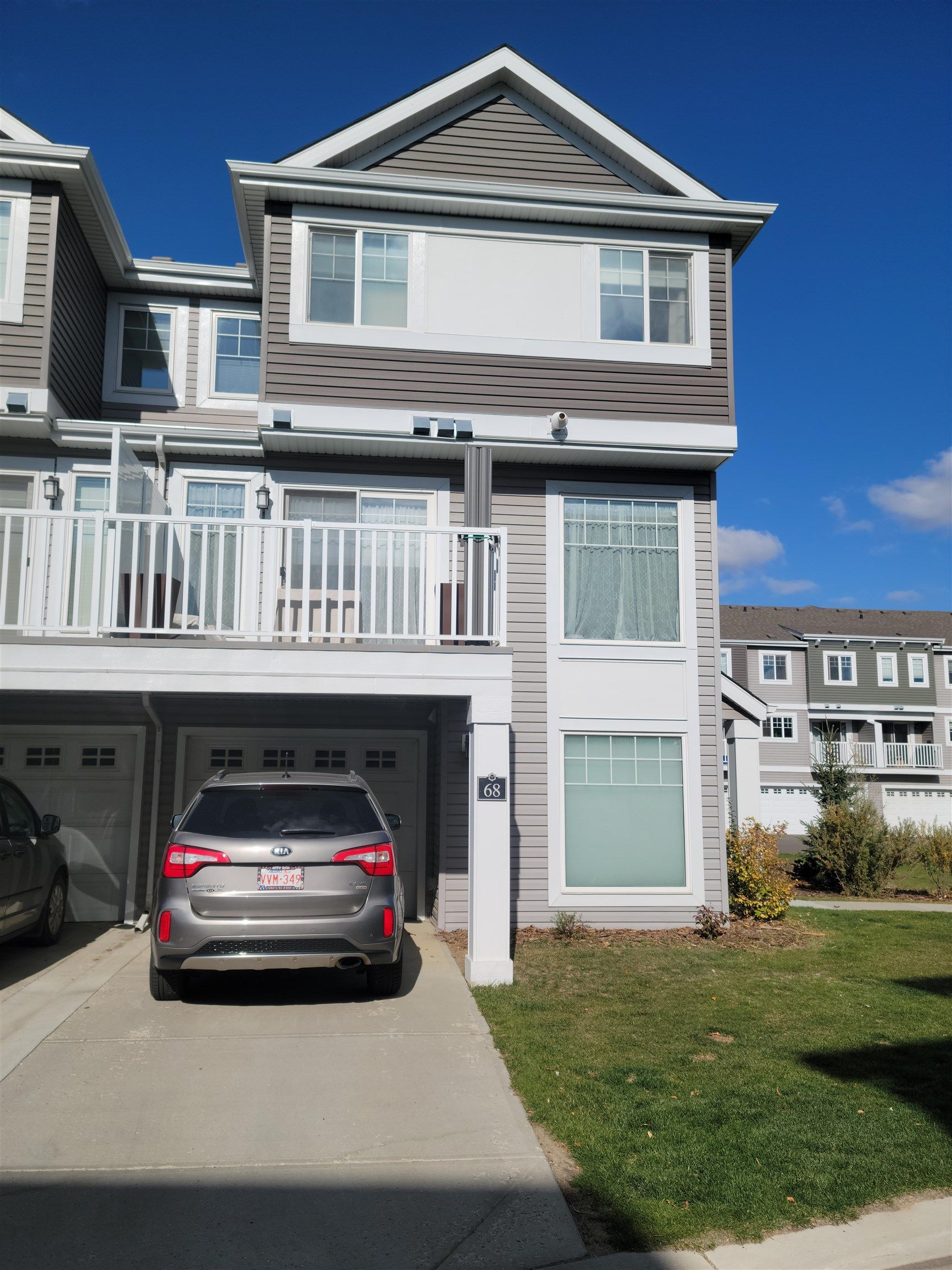 Main Photo: 1391 Starling Drive NW in Edmonton: Zone 59 Townhouse for sale : MLS®# E4265708