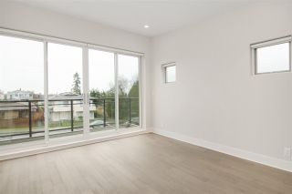 Photo 8: 2 220 W 18TH Street in North Vancouver: Central Lonsdale 1/2 Duplex for sale : MLS®# R2000780