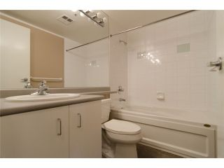 """Photo 9: 702 588 BROUGHTON Street in Vancouver: Coal Harbour Condo for sale in """"HARBOURSIDE PARK"""" (Vancouver West)  : MLS®# V978566"""