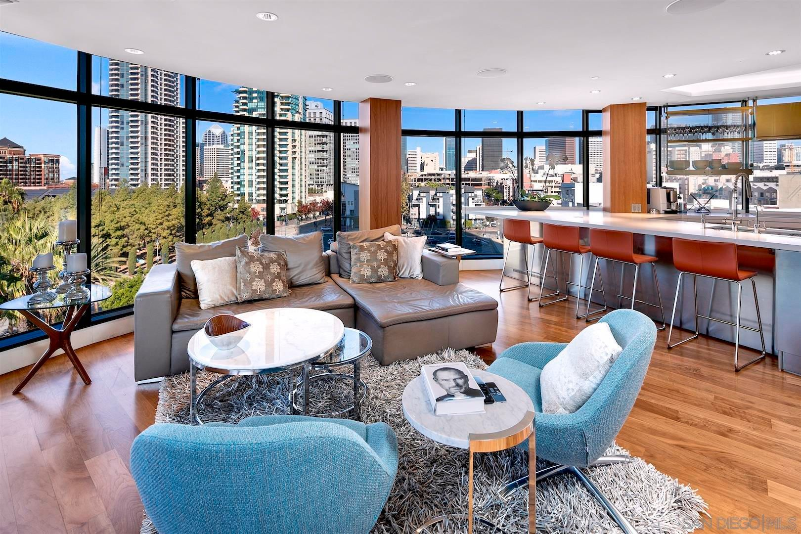 Main Photo: DOWNTOWN Condo for sale : 2 bedrooms : 100 Harbor Dr #704 in San Diego
