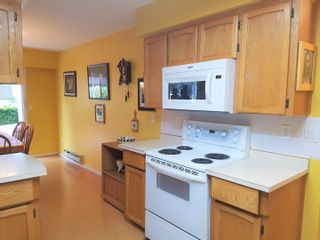 """Photo 6: 239 32691 GARIBALDI Drive in Abbotsford: Abbotsford West Townhouse for sale in """"Carriage Lane"""" : MLS®# R2612779"""