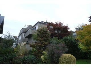 """Photo 9: 2411 W 5TH Avenue in Vancouver: Kitsilano Townhouse  in """"BALSAM CORNERS"""" (Vancouver West)  : MLS®# V1100926"""