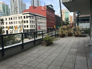 """Photo 1: 308 928 BEATTY Street in Vancouver: Yaletown Condo for sale in """"MAX 1"""" (Vancouver West)  : MLS®# R2213143"""
