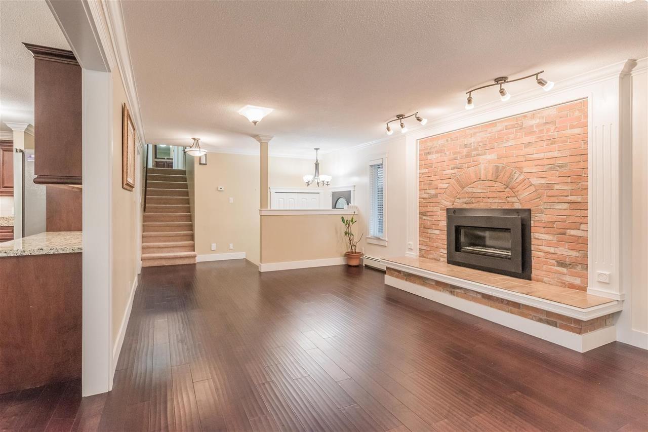Photo 4: Photos: 11811 240 Street in Maple Ridge: Cottonwood MR House for sale : MLS®# R2572239