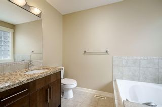 Photo 15: 722 56 Avenue SW in Calgary: Windsor Park Row/Townhouse for sale : MLS®# A1020099