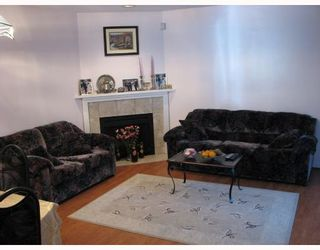 Photo 3: 2 7631 MOFFATT Road in Richmond: Brighouse South Townhouse for sale : MLS®# V649923