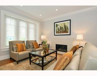 Photo 3: 372 E 47th in Vancouver: House for sale : MLS®# V784217