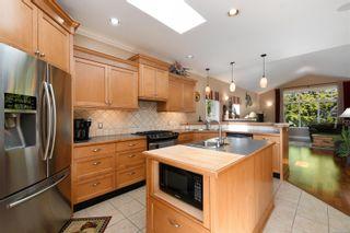 Photo 8: 5709 Sooke Rd in : Sk Saseenos House for sale (Sooke)  : MLS®# 869451