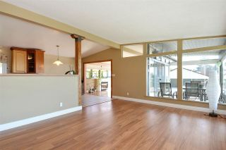 """Photo 4: 14233 MAGDALEN Avenue: White Rock House for sale in """"West White Rock"""" (South Surrey White Rock)  : MLS®# R2262291"""
