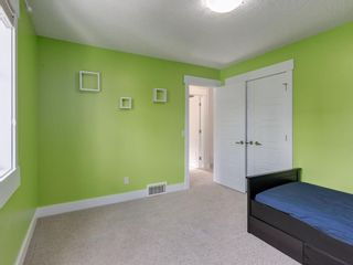 Photo 35: 3808 SARCEE Road SW in Calgary: Currie Barracks Detached for sale : MLS®# A1028243