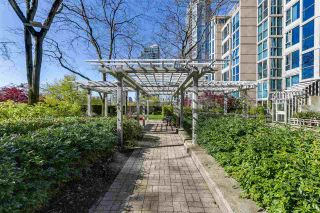 """Photo 20: 2205 388 DRAKE Street in Vancouver: Yaletown Condo for sale in """"GOVERNOR'S TOWNER"""" (Vancouver West)  : MLS®# R2276947"""