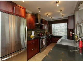 "Photo 7: 206 1280 FIR Street: White Rock Condo for sale in ""Oceana Villa"" (South Surrey White Rock)  : MLS®# F1408038"