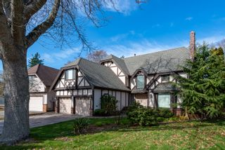 """Photo 1: 14869 SOUTHMERE Court in Surrey: Sunnyside Park Surrey House for sale in """"SUNNYSIDE PARK"""" (South Surrey White Rock)  : MLS®# R2431824"""