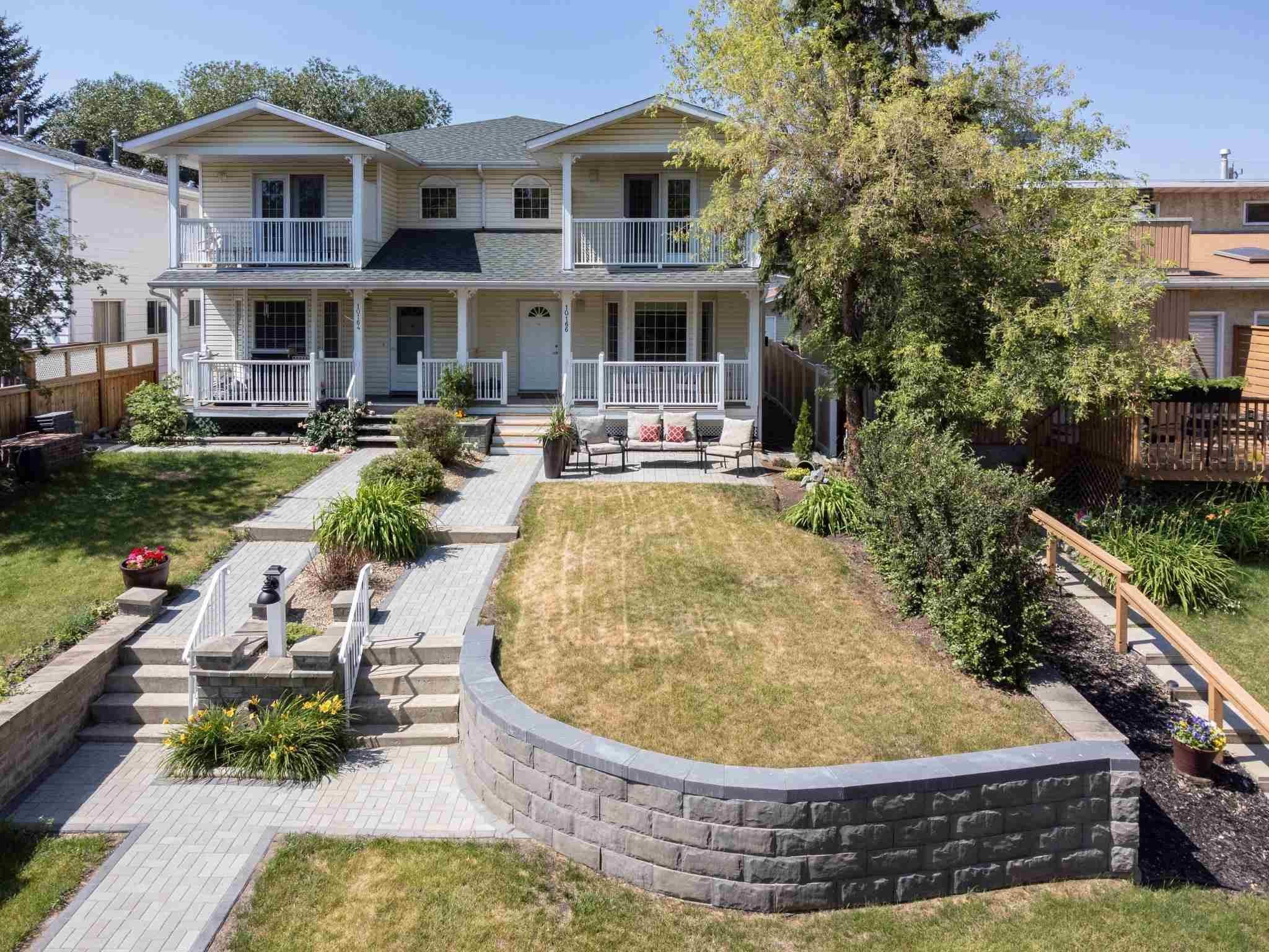 Main Photo: 10166 87 Street in Edmonton: Zone 13 House Half Duplex for sale : MLS®# E4253630