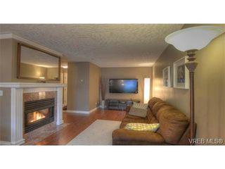 Photo 1: 103 689 Bay St in VICTORIA: Vi Downtown Condo for sale (Victoria)  : MLS®# 657381