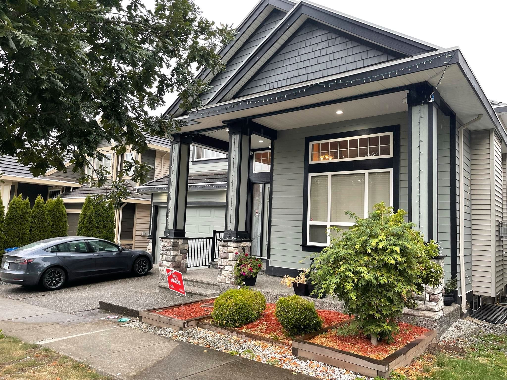 Main Photo: 7690 146A Street in Surrey: East Newton House for sale : MLS®# R2620300