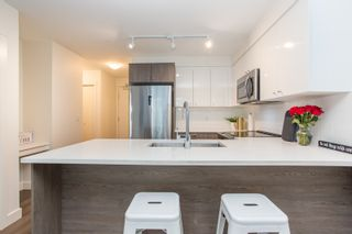 """Photo 4: 204 2525 CLARKE Street in Port Moody: Port Moody Centre Condo for sale in """"THE STRAND"""" : MLS®# R2545732"""