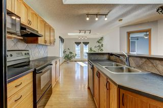Photo 5: 96 Valley Stream Close NW in Calgary: Valley Ridge Detached for sale : MLS®# A1080576