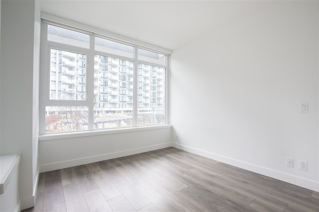 """Photo 10: Photos: 302 8538 RIVER DISTRICT Crossing in Vancouver: South Marine Condo for sale in """"ONE TOWN CENTRE"""" (Vancouver East)  : MLS®# R2430166"""