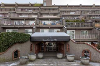 Photo 18: 817 774 GREAT NORTHERN Way in Vancouver: Mount Pleasant VE Condo for sale (Vancouver East)  : MLS®# R2433500