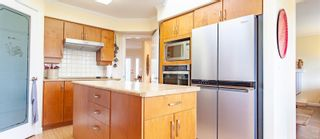 Photo 11: 611 Lowry's Rd in : PQ French Creek House for sale (Parksville/Qualicum)  : MLS®# 860767