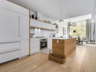 """Photo 1: 1887 W 2ND Avenue in Vancouver: Kitsilano Townhouse for sale in """"Blanc"""" (Vancouver West)  : MLS®# R2164681"""