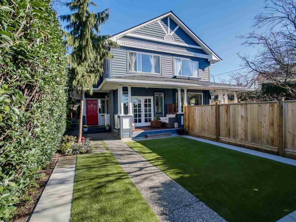 Main Photo: 408 W 6th Street in North Vancouver: Lower Lonsdale Triplex for sale : MLS®# R2051728