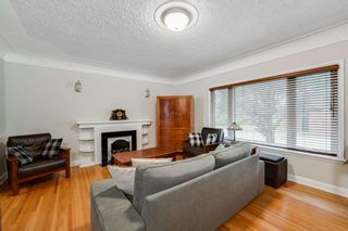 Photo 5: 2452 Capitol Hill Crescent NW in Calgary: Banff Trail Detached for sale : MLS®# A1124557