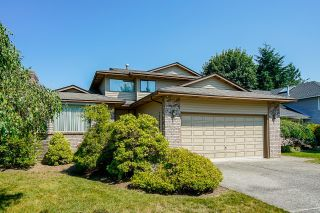 Photo 2: 10068 157A Street in Surrey: Guildford House for sale (North Surrey)  : MLS®# R2598453