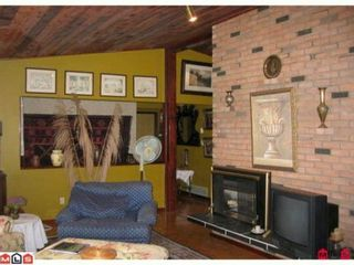 """Photo 2: 14643 101A Avenue in Surrey: Guildford House for sale in """"GUILDFORD"""" (North Surrey)  : MLS®# F1018531"""