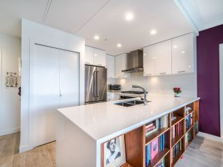 """Photo 4: PH8 3581 ROSS Drive in Vancouver: University VW Condo for sale in """"VIRTUOSO"""" (Vancouver West)  : MLS®# R2556859"""