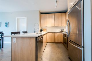 """Photo 4: 705 2789 SHAUGHNESSY Street in Port Coquitlam: Central Pt Coquitlam Condo for sale in """"The Shaughnessy"""" : MLS®# R2207238"""