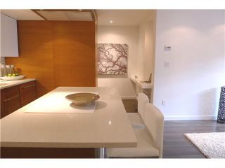 """Photo 3: 103 349 E 6TH Avenue in Vancouver: Mount Pleasant VE Condo for sale in """"LANDMARK HOUSE"""" (Vancouver East)  : MLS®# V995489"""
