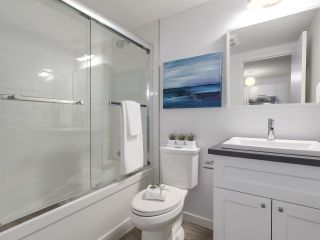 "Photo 14: 304 270 W 3RD Street in North Vancouver: Lower Lonsdale Condo for sale in ""Hampton Court"" : MLS®# R2220368"