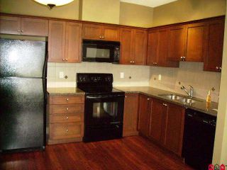 Photo 3: 400 9000 BIRCH Street in Chilliwack: Chilliwack W Young-Well Condo for sale : MLS®# H1002037