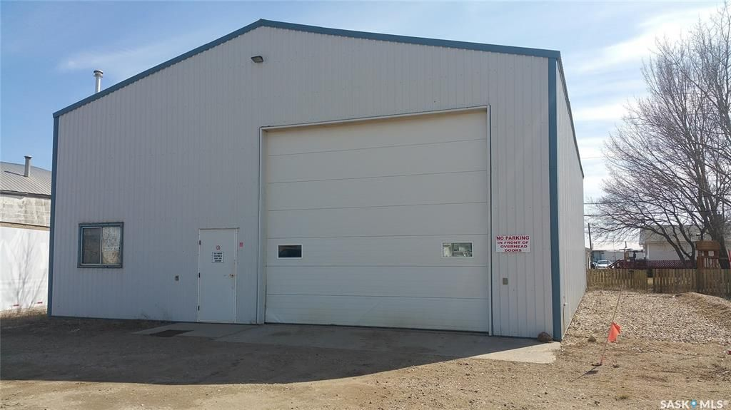 Main Photo: 71 Marion Avenue in Oxbow: Commercial for sale : MLS®# SK839413