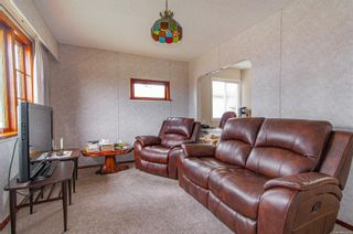 Photo 2: 1971 16th Ave in : CR Campbell River North House for sale (Campbell River)  : MLS®# 869809