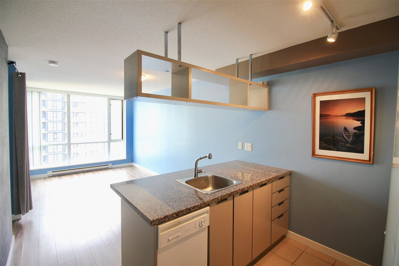 """Main Photo: 1503 1082 SEYMOUR Street in Vancouver: Downtown VW Condo for sale in """"FREESIA"""" (Vancouver West)  : MLS®# R2207372"""