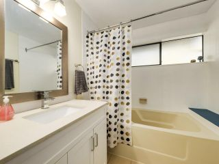 """Photo 15: 5872 MAYVIEW Circle in Burnaby: Burnaby Lake Townhouse for sale in """"ONE ARBOURLANE"""" (Burnaby South)  : MLS®# R2542010"""