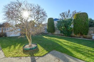 Photo 2: 6189 Waterbury Rd in : Na North Nanaimo House for sale (Nanaimo)  : MLS®# 863637