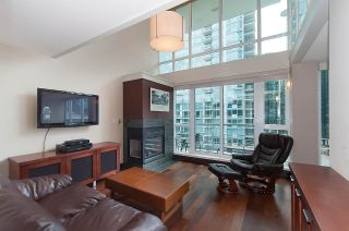 "Photo 4: 803 590 NICOLA Street in Vancouver: Coal Harbour Condo for sale in ""CASCINA"" (Vancouver West)  : MLS®# R2045601"